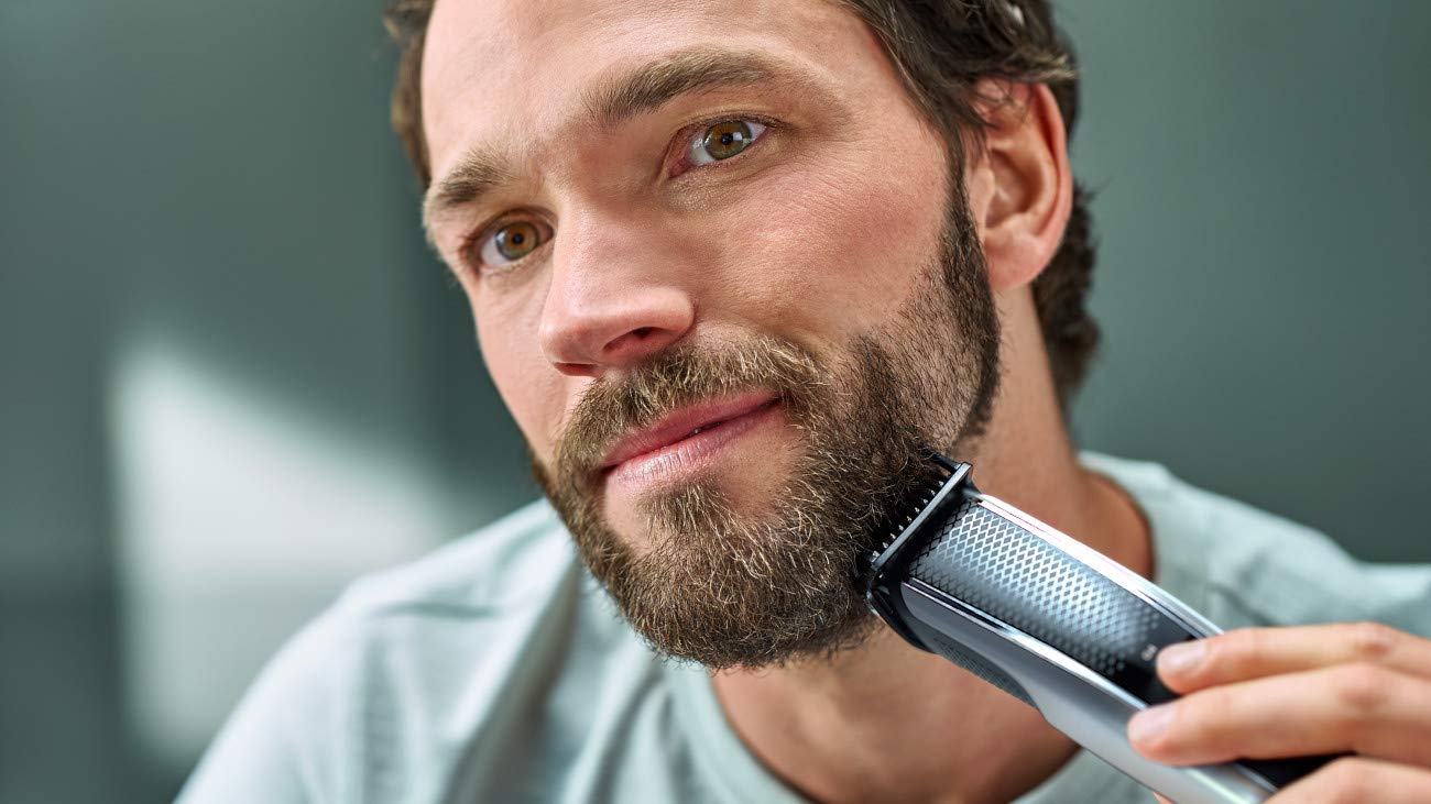 Philips Norelco electric shaver Series 5000